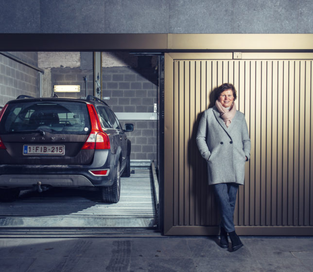 Car parking lifts to create extra space in the city - _Strobbe_